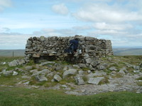 The shelter on top of Great Shunner Fell