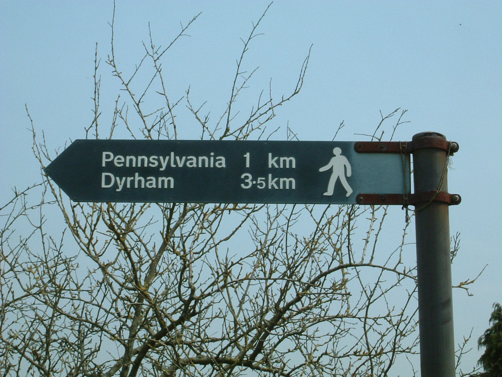 A sign in Cold Ashton pointing towards 'Pennsylvania'